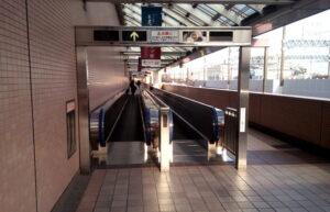 浜松駅2階連絡通路からアクトタワー