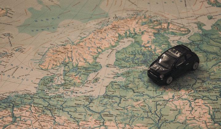 北欧地図車で旅行